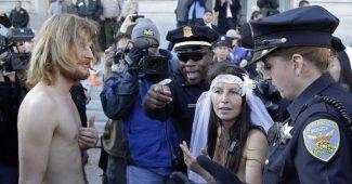 noticia_544549_img1_naked-wedding-eric-risberg-ap